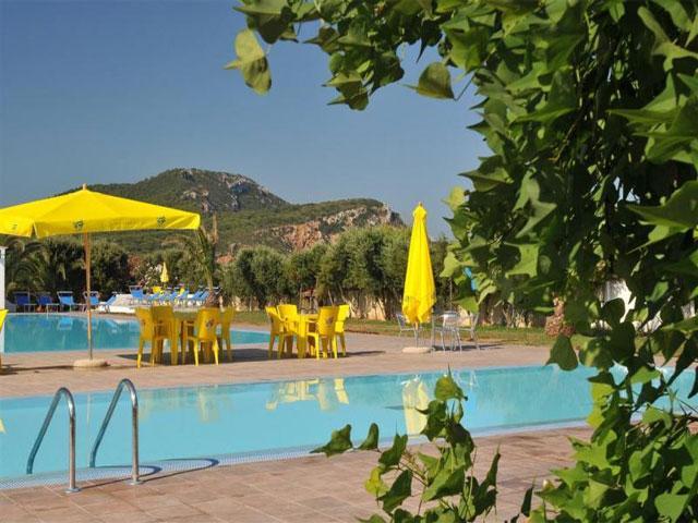 Zwembaden - Vakantiepark & Camping Torre del Porticciolo in Alghero - Sardinië