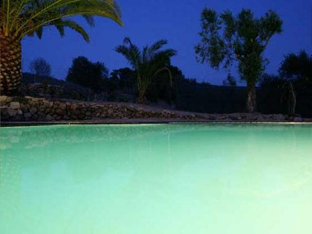 Zwembad by night - Alghero