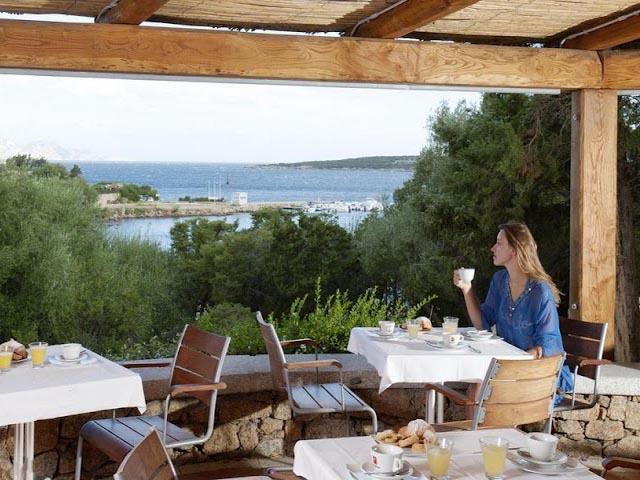Restaurant met zeezicht in Bagaglino vakantiepark
