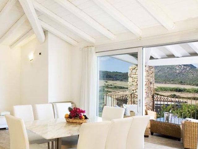Villa in Villas Resort - Luxe vakantiehuizen met zwembad in Costa Rey - Sardinie (2)