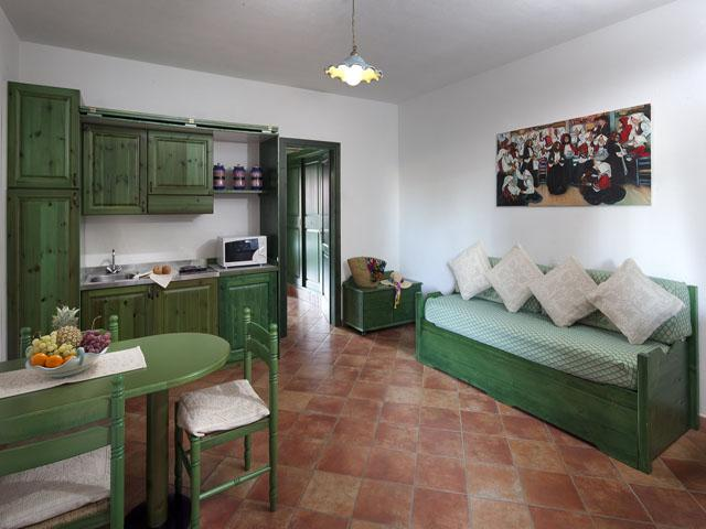residence-sos-alinos-cala-ginepro-orosei_gallery_appartamenti-camere-05