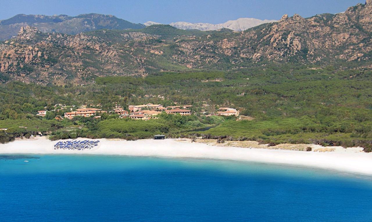 Strand bij Hotel Club Cala Ginepro - Orosei - Sardinië