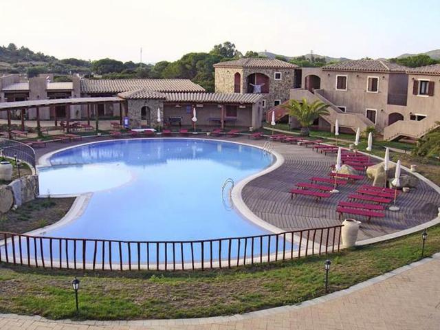 resort villasimius - s incantu appartementen - sardinie (2).jpg