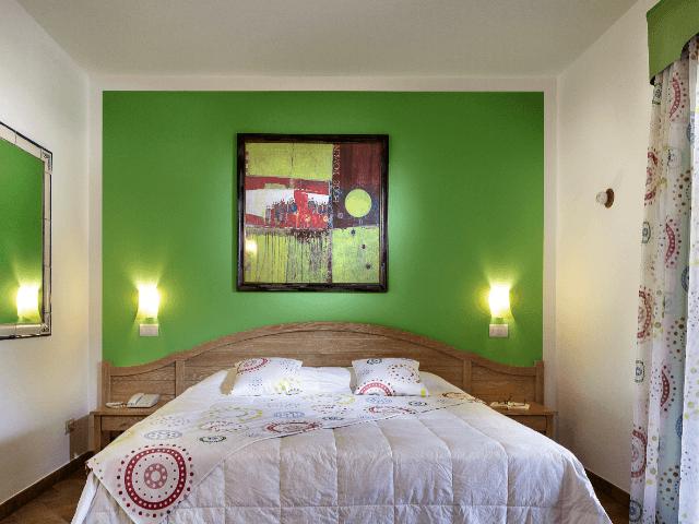 sardinien-cruccuris-deluxe-room